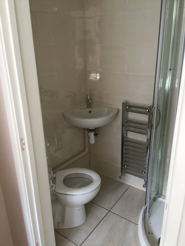 Earlsdon house, 3 double ensuite rooms\' Room to Rent from SpareRoom