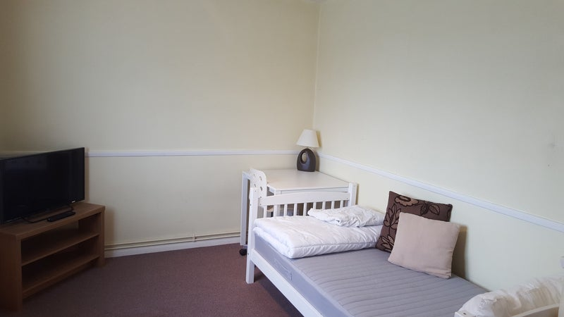 I Am Looking For Room To Rent In Rainham
