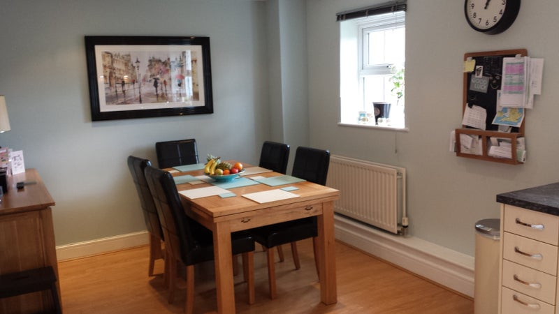 Double Room To Rent Reigate