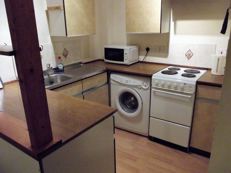 Spare Room In Slough Single