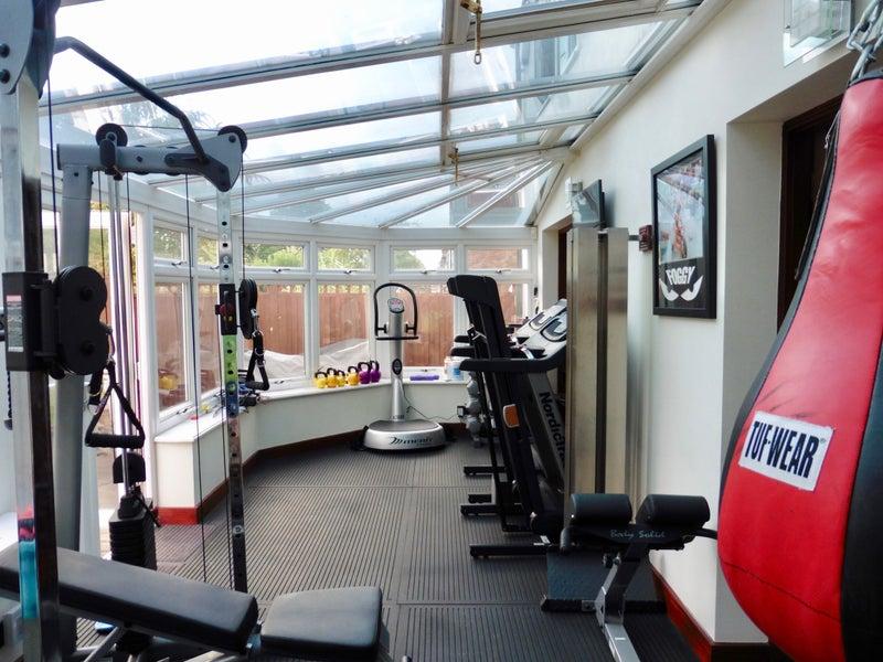 Bushey Luxury House Furnish Room F Gym Amp Hot Tub Room