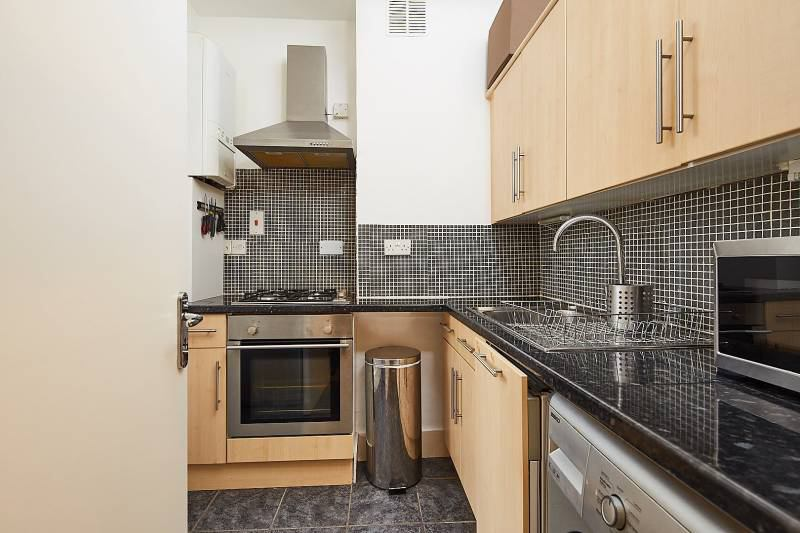 stunning 1 bed flat in maidavale queens park w9 room 1 bedroom apartment in queens garden
