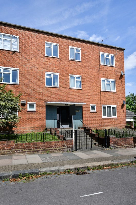 Bed Flats To Rent Clapham Common