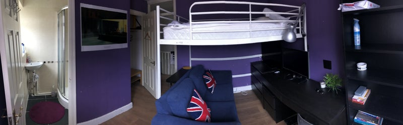Double ensuite room with garden garage and gym room to rent from