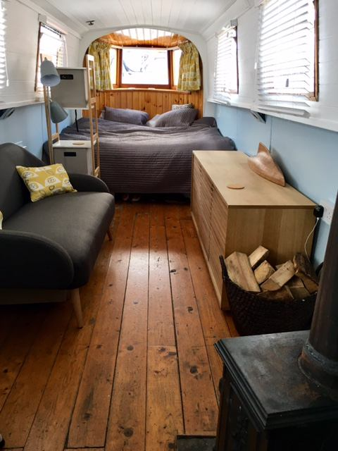 Modern lovely Narrow Boat Zone 2 -\' Room to Rent from SpareRoom