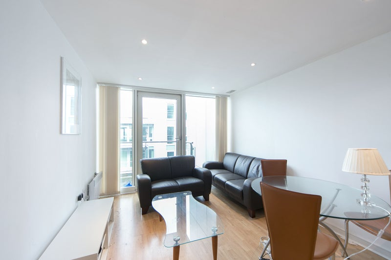 Spacious And Beautiful One Double Bedroom Apartment With Balcony On The  11th Floor Of A Recent Development On Albert Embankment.
