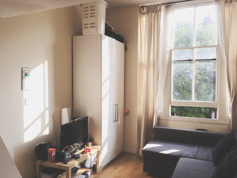 Beautiful Mezzanine Studio in Kensington\' Room to Rent from SpareRoom