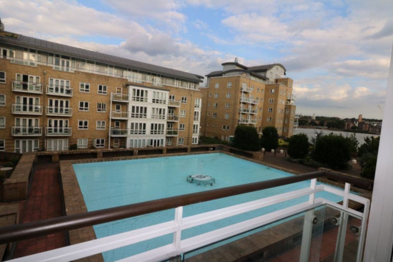 39 Stunning 1 Bedroom Flat Near Canary Wharf E14 39 Room To Rent From Spareroom