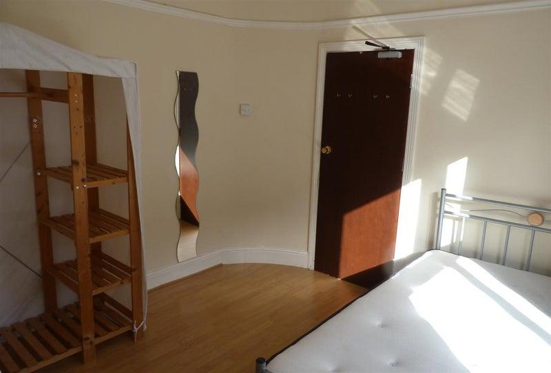 Rent Room In Treforest