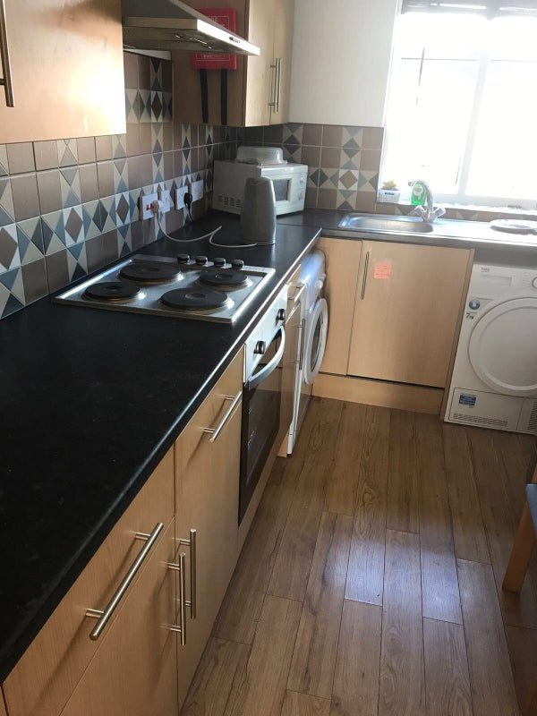 Ensuite Room To Rent Borehamwood