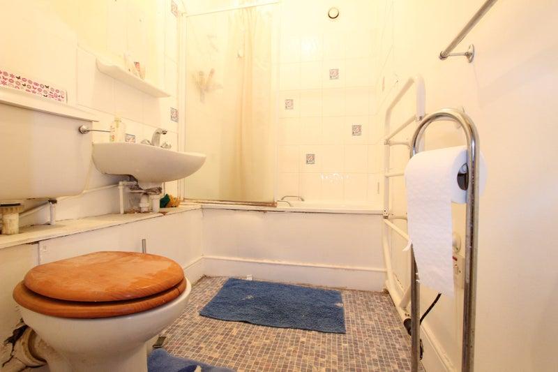 39 1 Bedroom Apartment 1 Bathroom Wood Flooring 39 Room To Rent From Spareroom