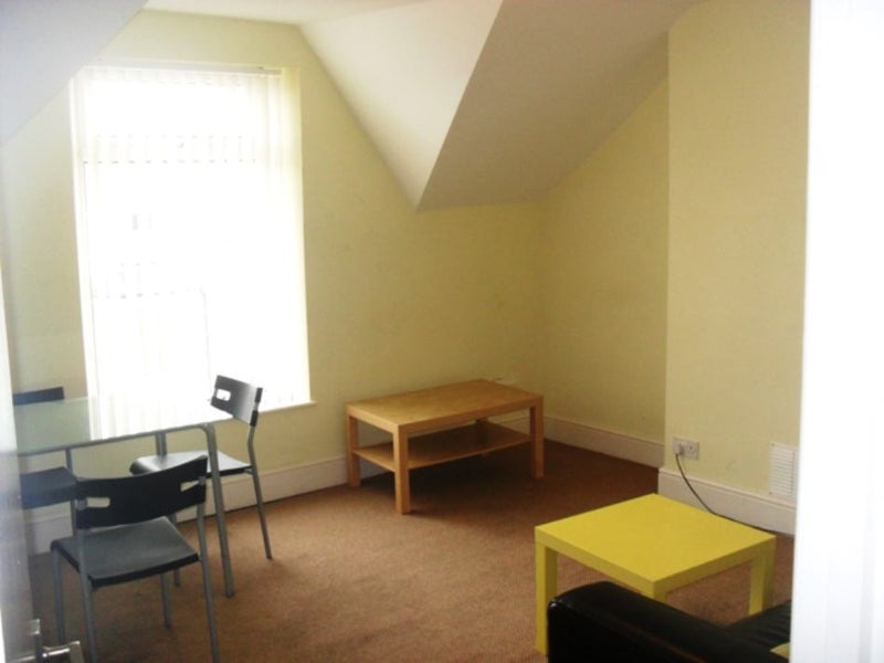 Bed Room Flat To Rent Cardiff