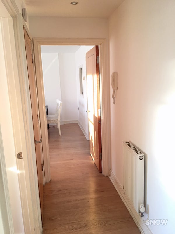 39 bright two bedroom apartment to rent canary wharf 39 room 2 bedroom flat in canary wharf to buy