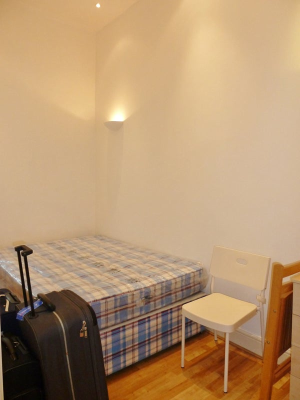 Rent Room In Willesden