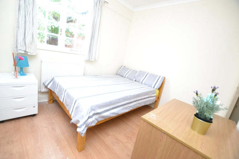 39 large cheap 4 bedroom house in stepney green 39 room to for Cheap 4 bedroom houses
