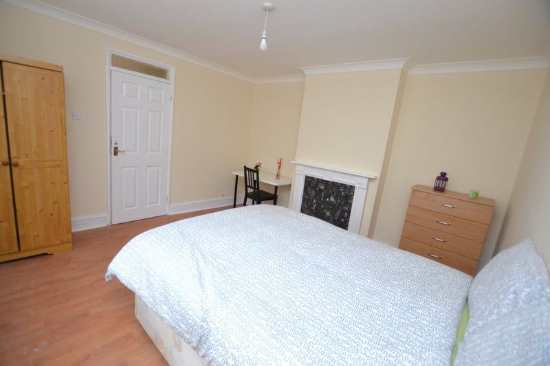 39 large cheap 4 bedroom house in stepney green 39 room to for Affordable 4 bedroom houses
