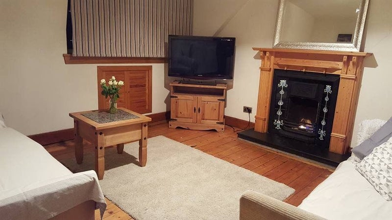 39 charming 2 bedroom flat in ferryhill aberdeen 39 room to. Black Bedroom Furniture Sets. Home Design Ideas
