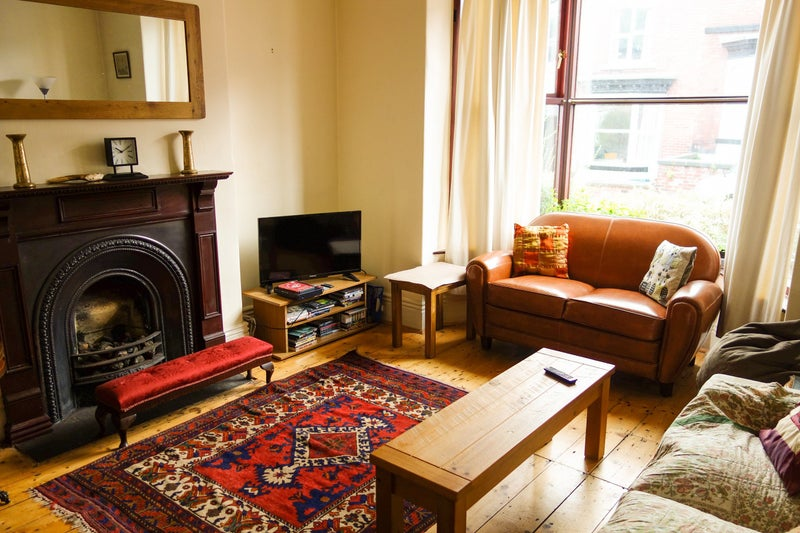 39 kingsize double room off ecclesall road 39 room to rent. Black Bedroom Furniture Sets. Home Design Ideas