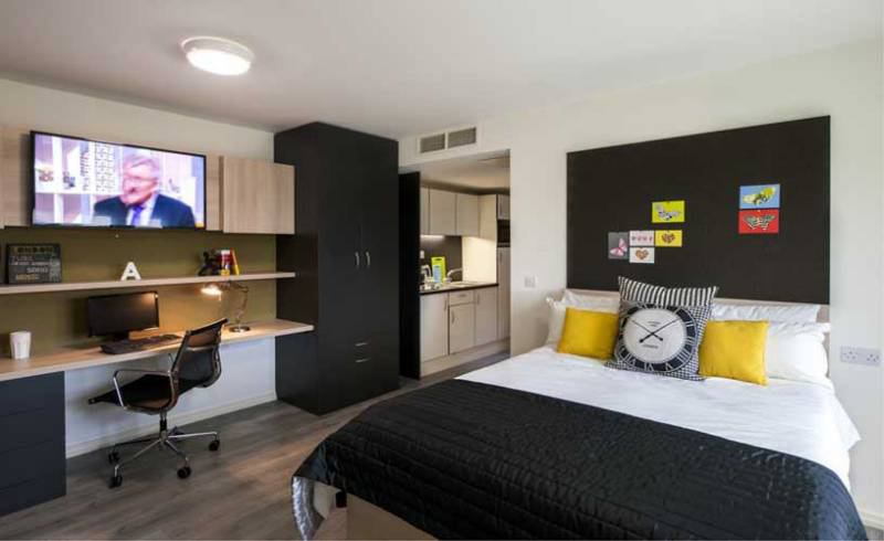 studio flat students only room to rent from spareroom