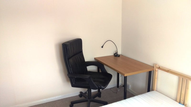 Room To Rent Edgware With Toilet