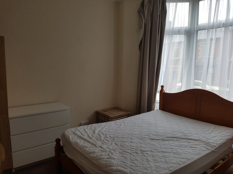 Spare Rooms For Rent In Bridgend