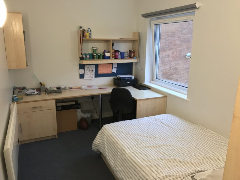 En Suite Room Available At Charlotte Court Room To Rent From Spareroom