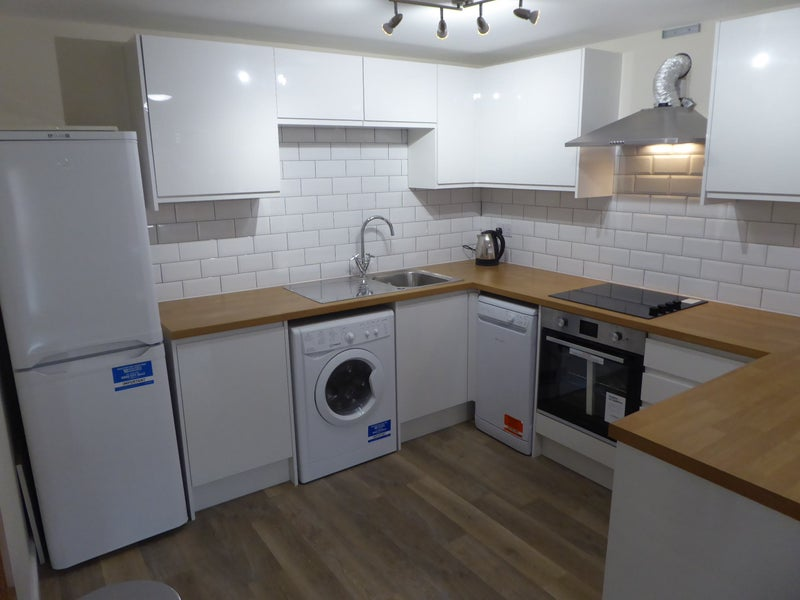 39 brand new beeston studio situated near uni park 39 room to for Studio apartment kitchen appliances