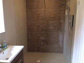 Photo 1: Use of brand new, large shower room