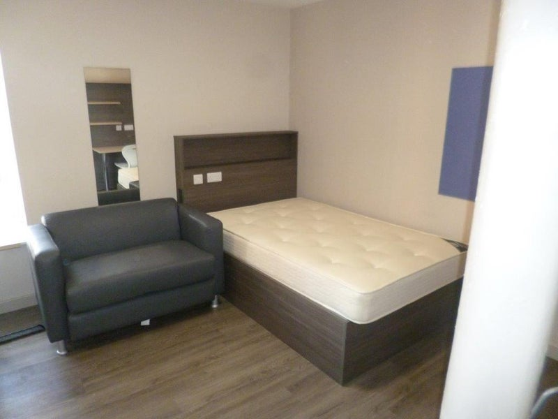 Room for rent from 17 May 2018 (Cunostraße, Berlin)