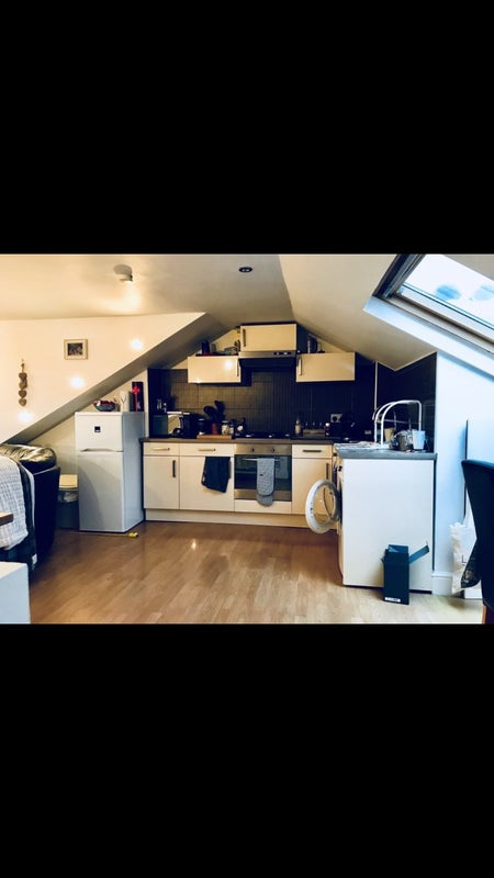 Double Room To Rent In Streatham Area