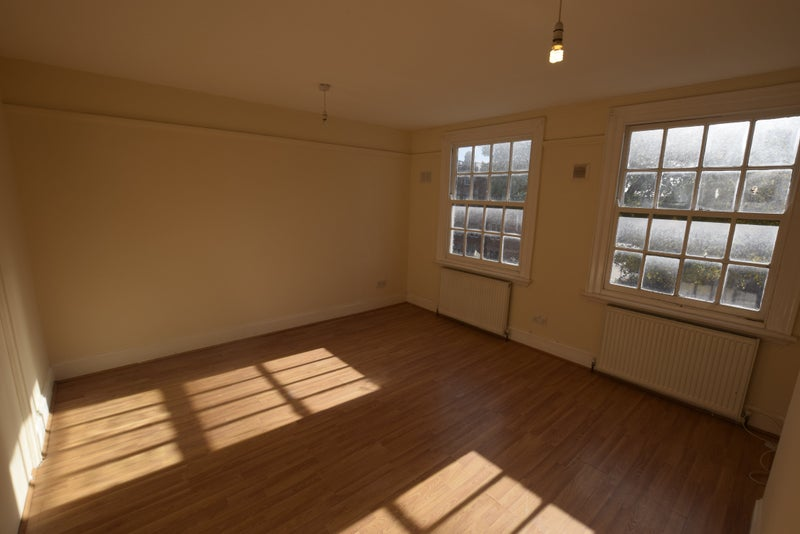 Double Bed Room To Rent East Ham