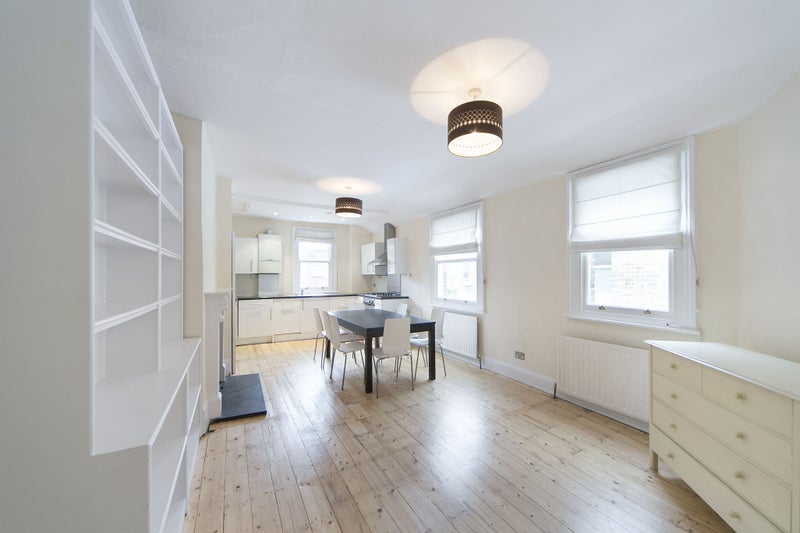 This Purpose Build Victorian Style Maisonette Contains 3 Bedrooms, 2  Doubles And One Single, An Open Plan Kitchen With Living Room And A  Bathroom.