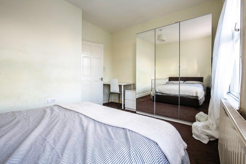 Looking For Room To Rent Edmonton