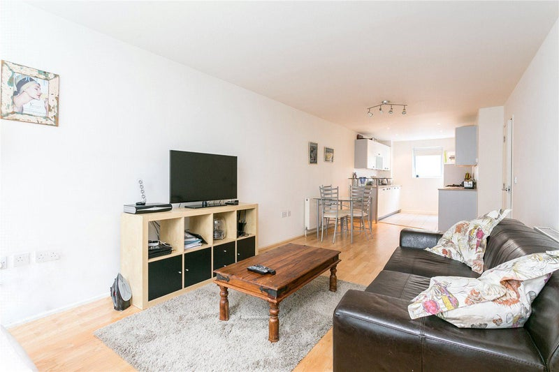 39 A Spacious Two Bedroom Apartment 39 Room To Rent From Spareroom