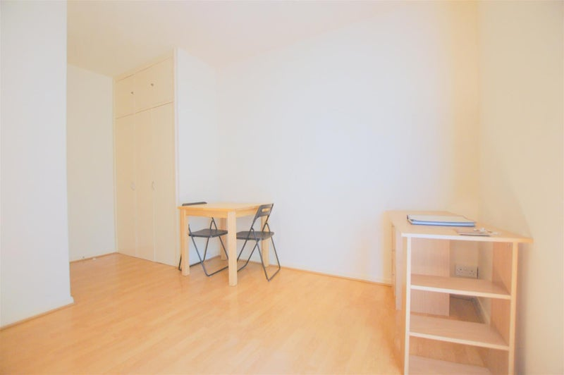 39 Studio In Swiss Cottage 39 Room To Rent From Spareroom