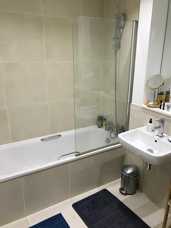 Double Room To Rent In Crouch En