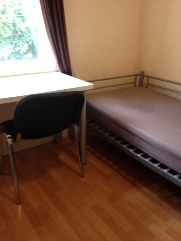 Double Room For Couple To Rent In Manchester