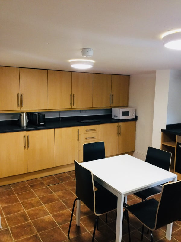 Modern Student Young Professional Property Room To Rent