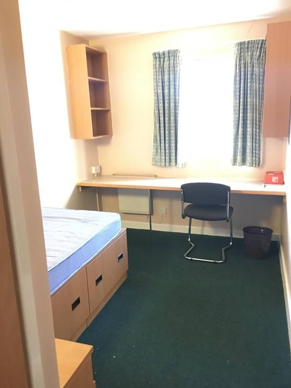 En Suite Room To Rent Greater Manchester