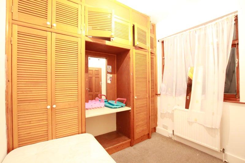Single Flat  Room London Dss