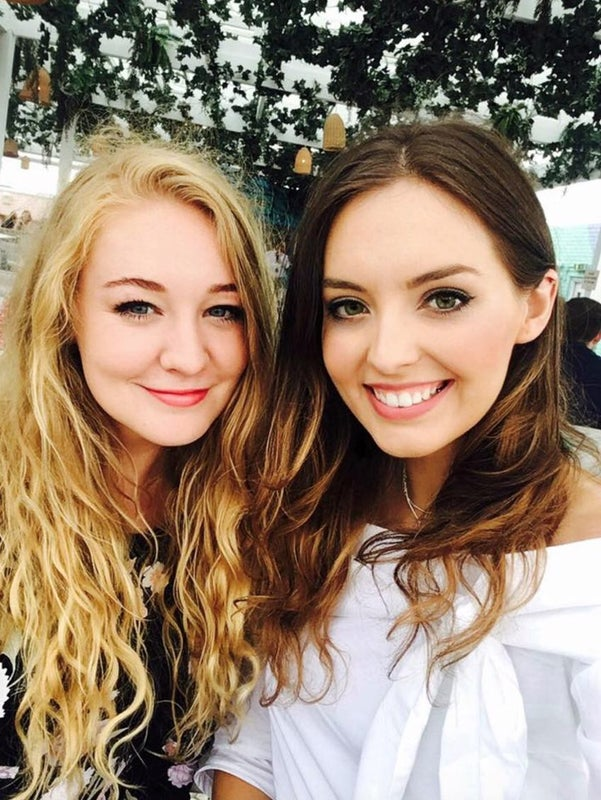 2 Girls Looking For Buddy Up With Friends