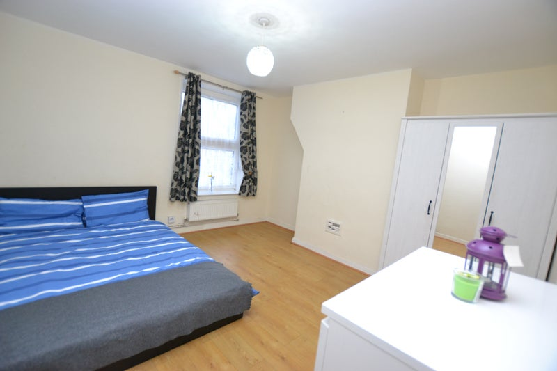 Bethnal Green Rent Room