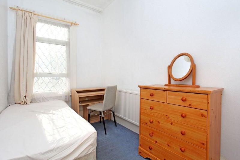 Single Rooms To Rent Queens Park Area