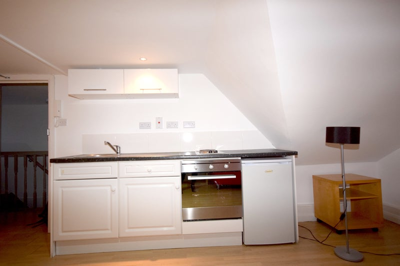 39 Large Bright Studio In West Hampstead 39 Room To Rent From Spareroom