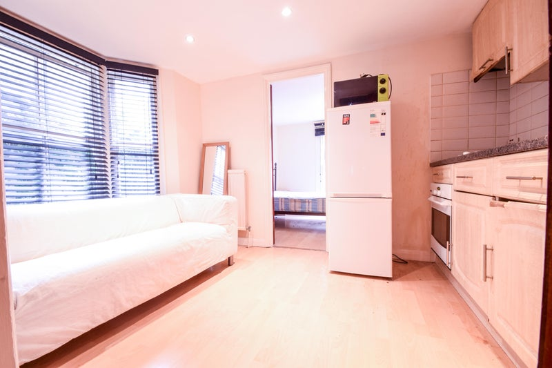 Cool Central 1 Bed Furnished Flat in Vauxhall\' Room to Rent from ...