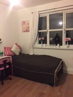 Safe And Peaceful Rooms: Fenham, Newcastle.