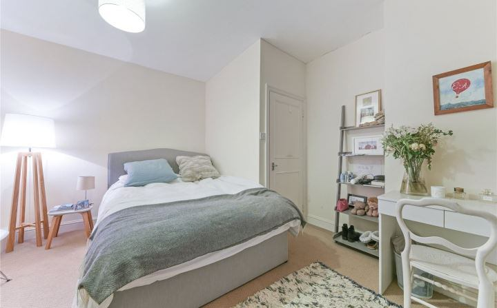 Large Room To Rent Lavender Hill