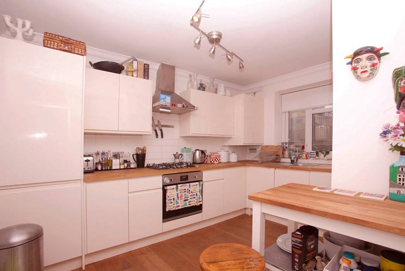 Cosy Fully Furnished Rooms in Stoke Newington\' Room to Rent from ...