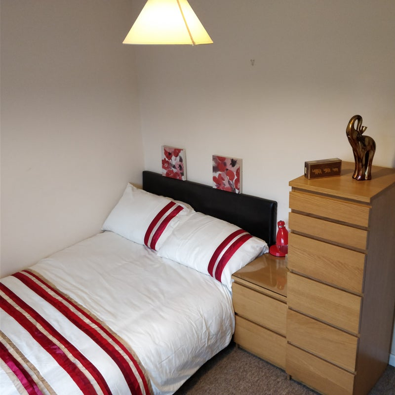 Lovely Double Room, Work From Home! Main Photo