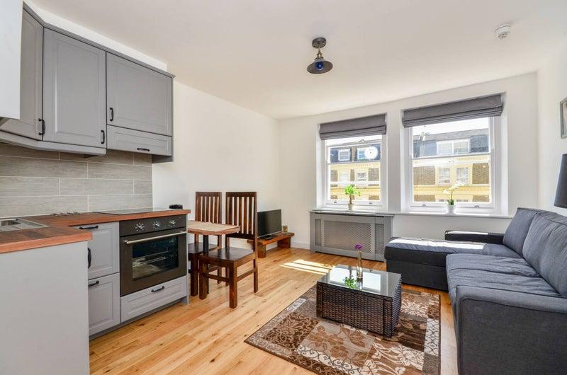 'Modern Studio Apartment in Central London, Zone 1' Room ...